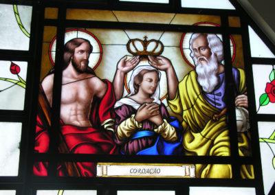 Vitral da Paróquia de Santa Rosa, em Londrina - PR - Projeto realizado pela Kingdom vitrais