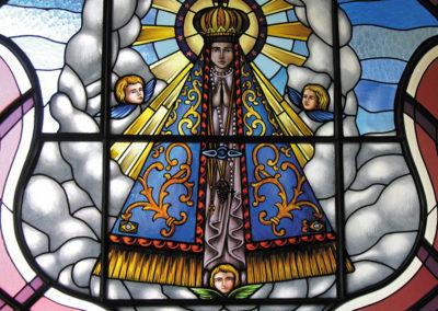 Vitral de Nossa Senhora Aparecida - Projeto realizado pela Kingdom vitrais