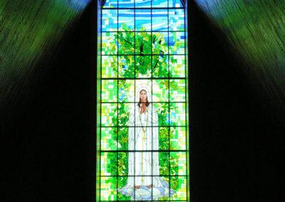 Vitral de Nossa Senhora de Fátima - Projeto realizado pela Kingdom vitrais